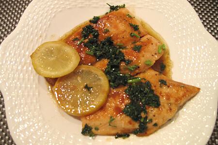 鮭のムニエル、簡単レモンソース